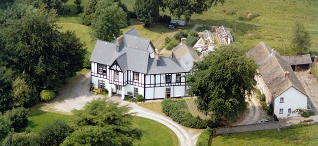 dolly_hall_aerial_view_cycler